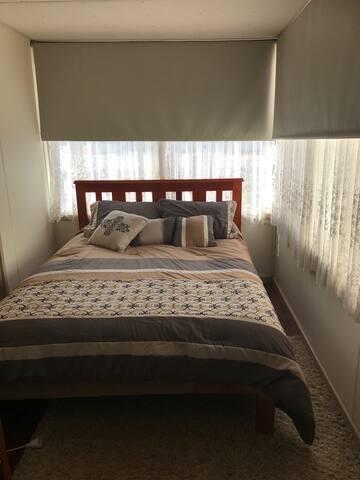 Rustic Retreat - Kalgoorlie - Bed & Breakfast