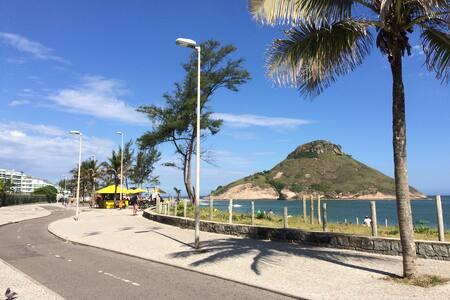 Flat ao pé da areia na Praia do Recreio - Rio de Janeiro - Serviced flat