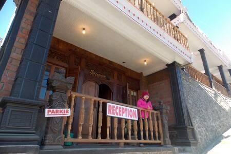 Hotel PONDOK WISATA ADAS NEAR Bromo COMFORTABLE