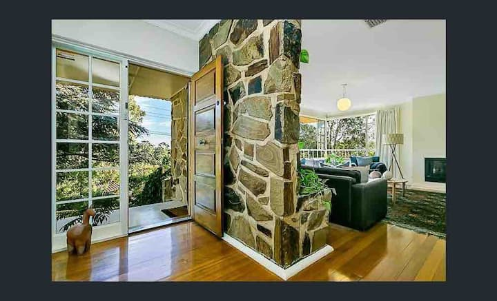 Holiday home/City/Adelaide/wineries/beaches/views
