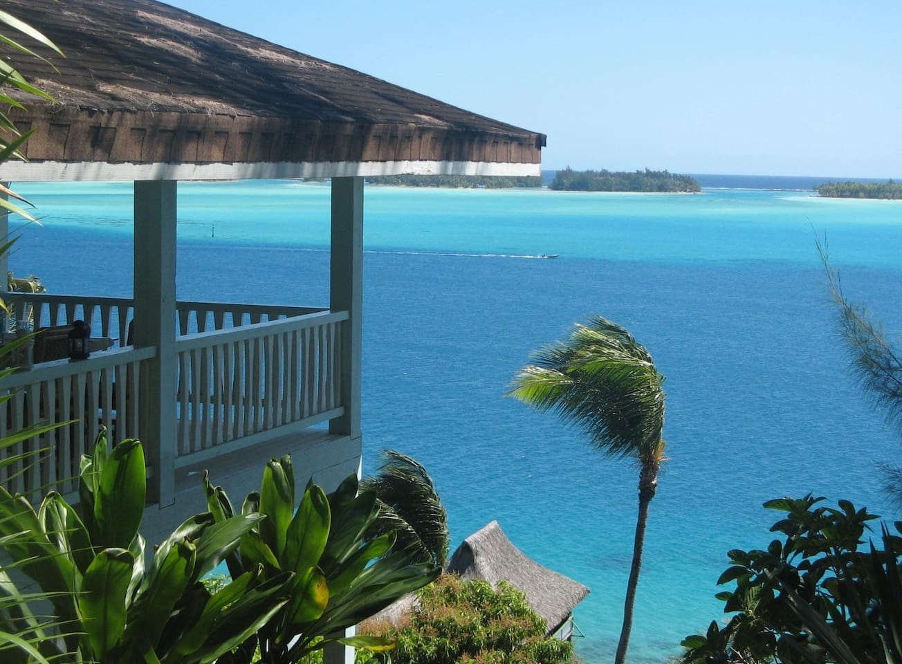 Villa VAHIMANUI overlooking the lagoon of Bora Bora
