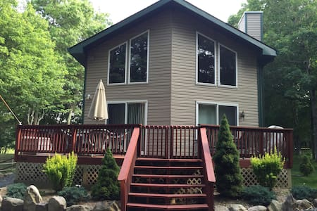 Beautiful Family-Friendly Chalet 3BR, 3 Full baths - Albrightsville - Chalet