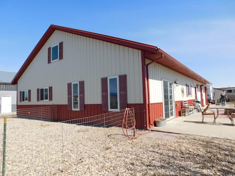Spring Creek/Lake Oahe Fishing/Hunting Lodge