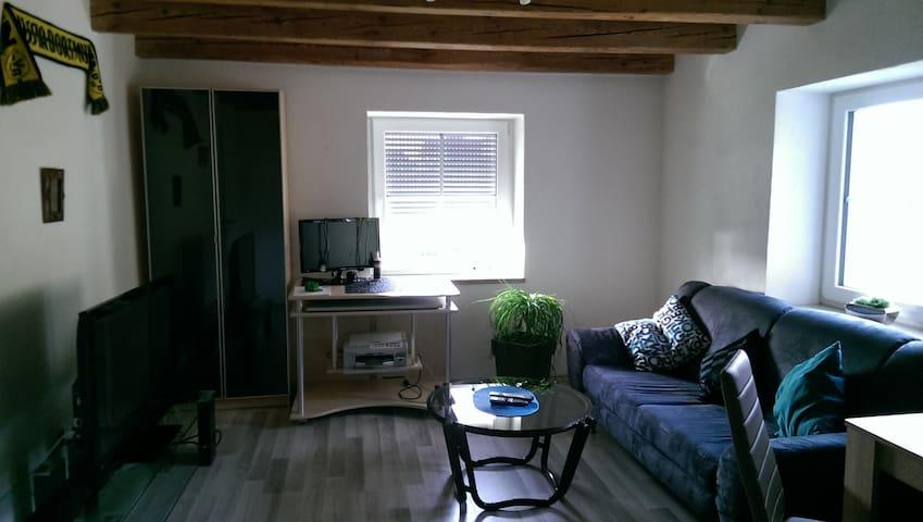 2 sonnige Zimmer in renovierter Mühle mit Balkon - Eberhardzell - Appartement