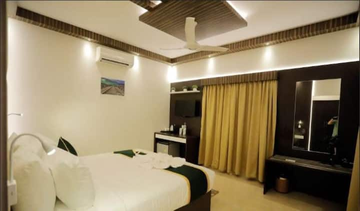 Premium room with complete range of modern amenities at Munnar Kerala III