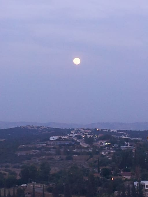 A moonlight view of Tsafririm