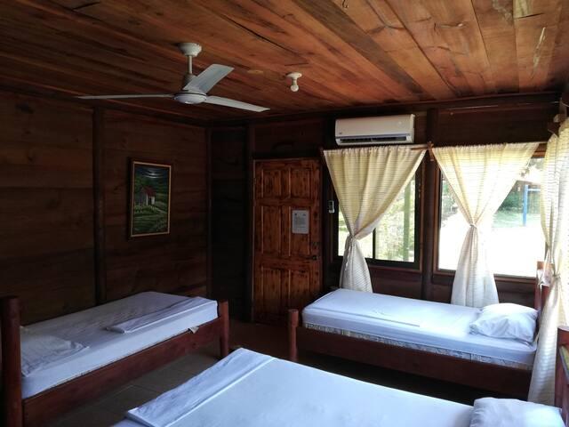 Habitación Cuádruple A/C