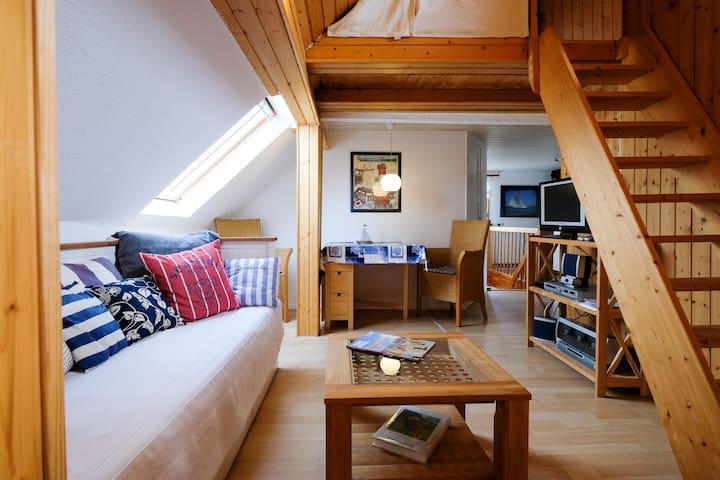 Süße Dachwohnung mit Atmosphäre - Scharbeutz