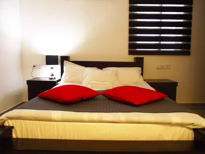 City Apartments (Deluxe room)