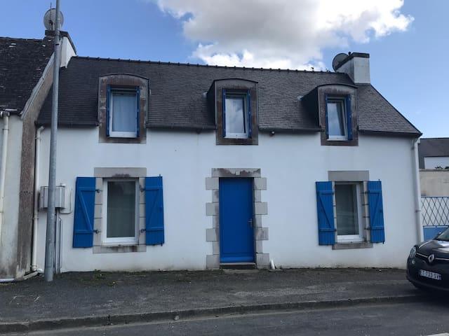 Maison familiale Plonéour-Lanvern (10 min plage)