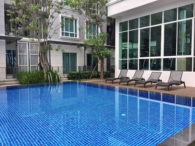 Cozy new private room with Pool and private Wifi - Surat Thani - Apartemen