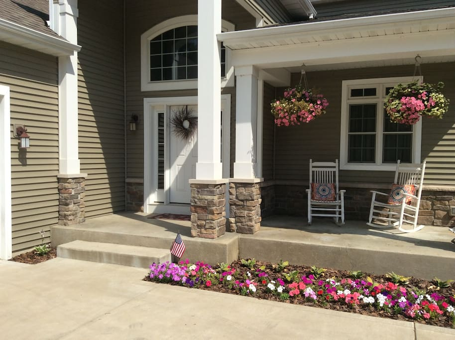 Front view of our home... welcome!