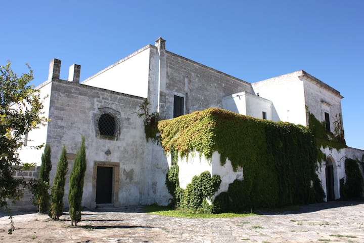 Charming Masseria in trendy Salento with pool
