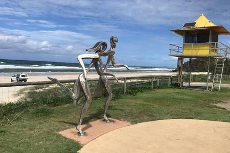 SURF SIDE Beach House - stay beachside