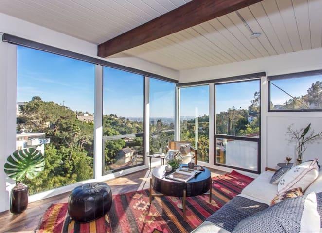 Modern Hills Retreat Stunning Views of Hollywood