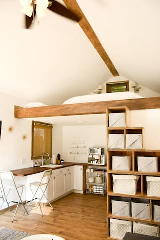 Intimate Fremont Cottage Loft With Staircase