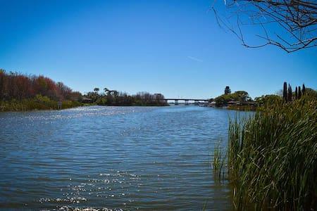 Waterfront Condo on 700 Acre Lake & near beaches