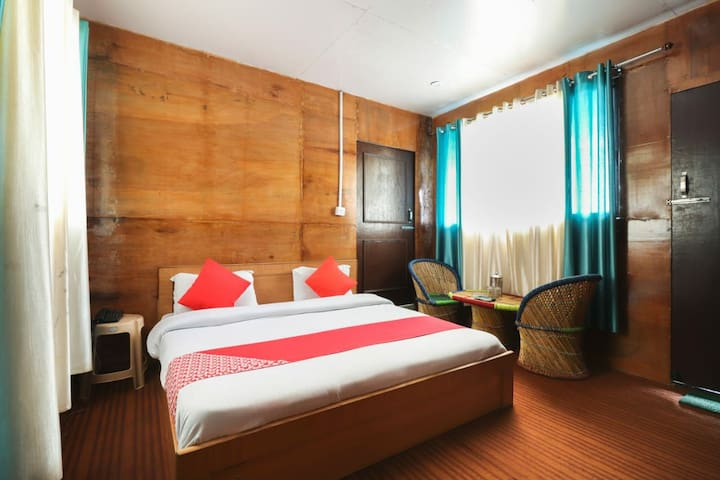 Deluxe Rooms In Dhanaulti With Balcony