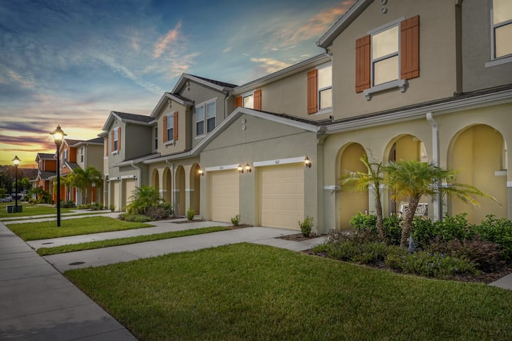 Four Bedrooms Vacation Home close to Disney 5121