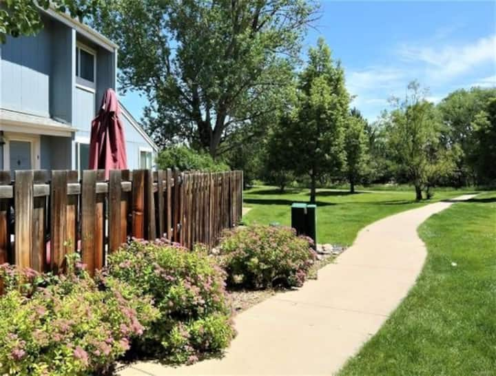 Cozy Townhome in Great Boulder Location!