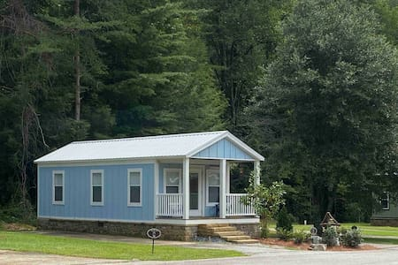Little Blue Cabin at Sugar Mill Creek