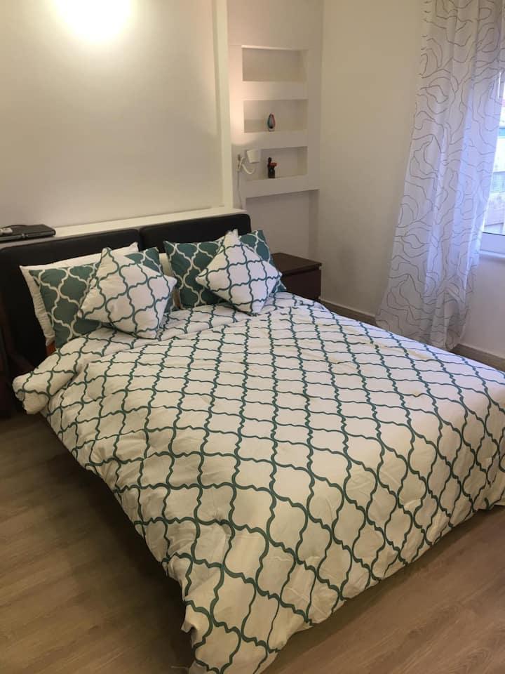 ★ Comfy, Warm 2 Bedroom Apt w/ Modern Appliances ★