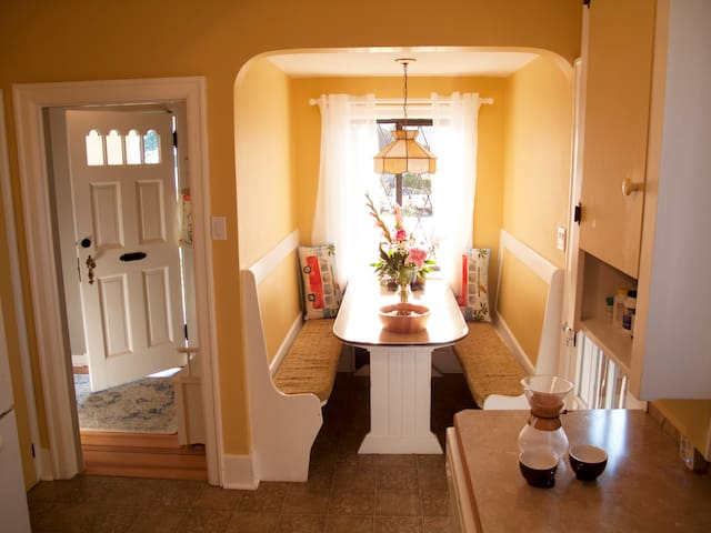 Charming Guest House with Splendid Breakfast
