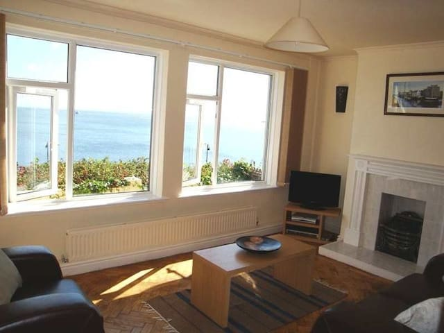 Very cosy flat with sea views - Douglas