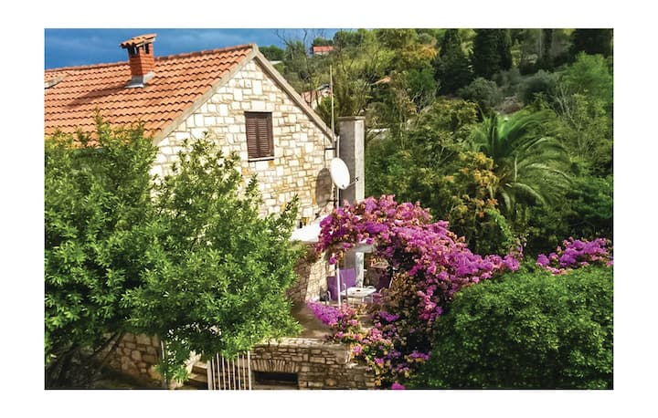 Beautiful home in Stomorska with WiFi and 2 Bedrooms