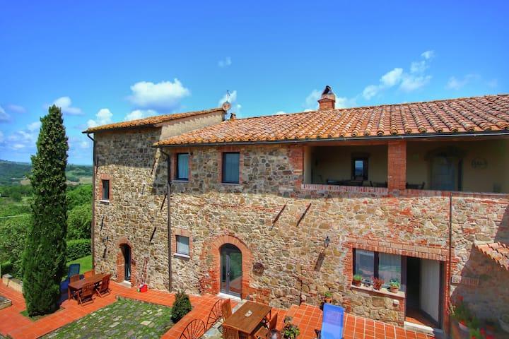 Luxury Farmhouse in Castiglione D'orcia with Swimming Pool