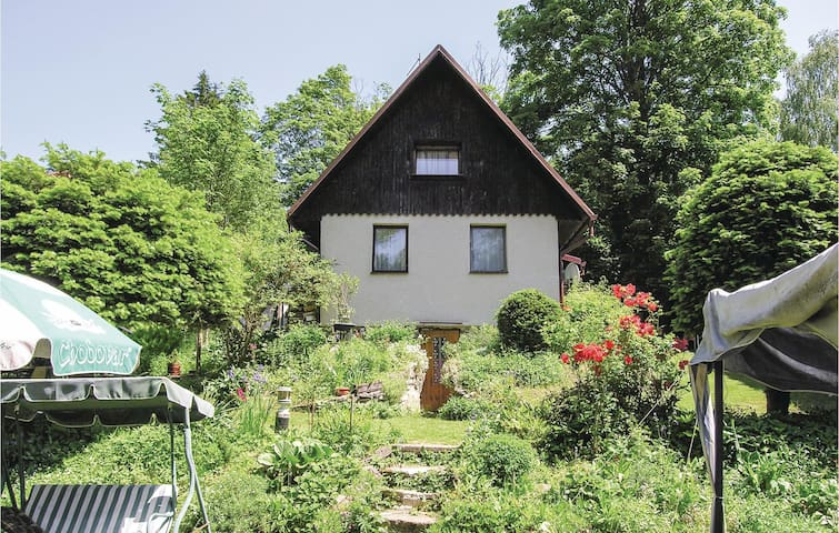 Holiday cottage with 1 bedroom on 83m² in Marianske Lazne
