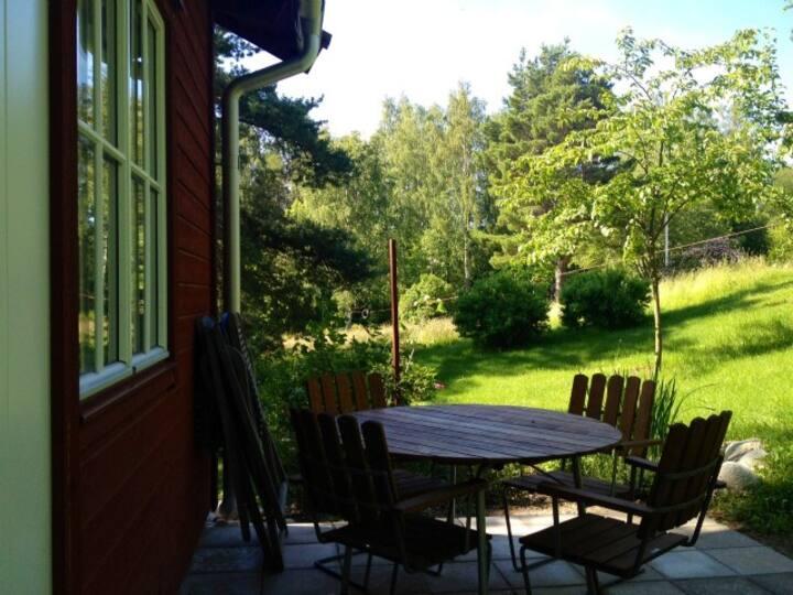 Fristående gästrum 10 min gångväg från Dalarö torg