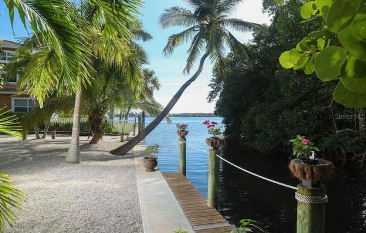 Amazing property on canal walk to Beach!