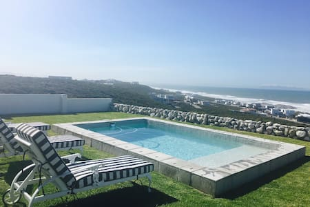 Atlantic views-where kids can play & parents relax - Yzerfontein