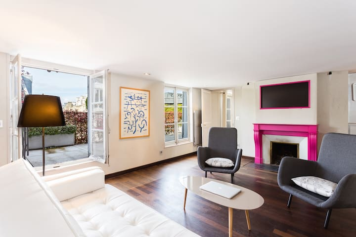EXCLUSIVE 4BR FLAT WITH TERRACE! CHAMPS ELYSEES