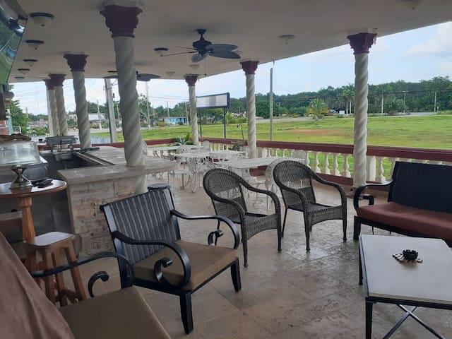 Villa Plata Tropical, 6 habitaciones y 24 personas