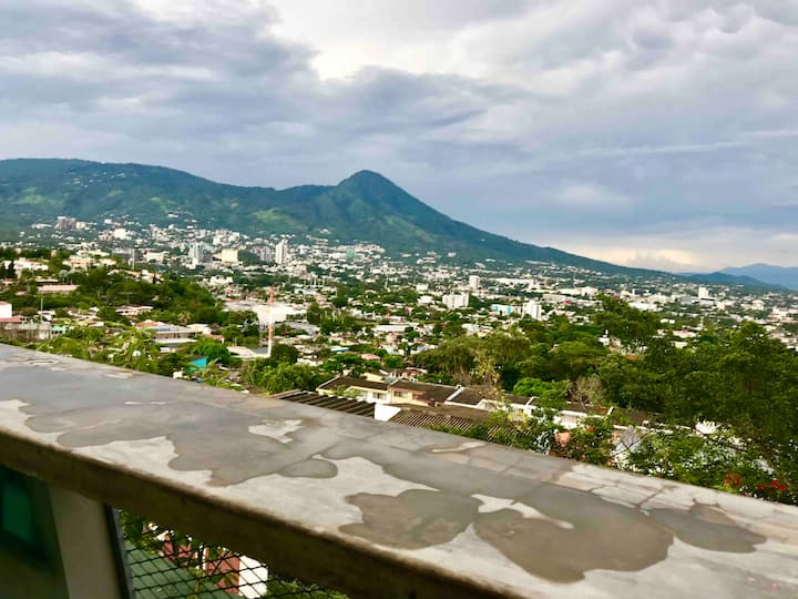 San Salvador Stay Great City Views