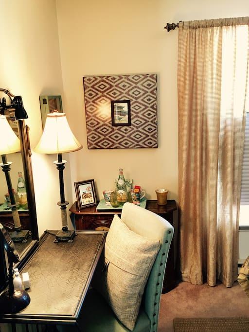 Bedroom - vanity