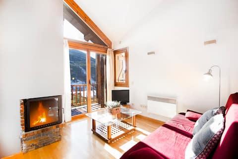 Attic one bedroom apartment. TTESQ41