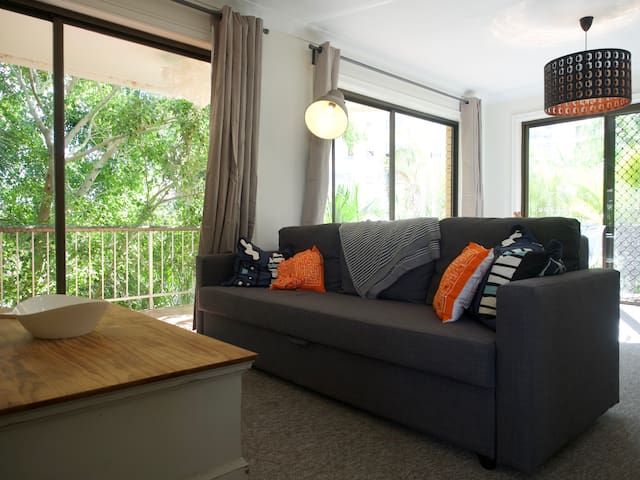Beachside private 2 bedroom Gold Coast apartment ! - Main Beach