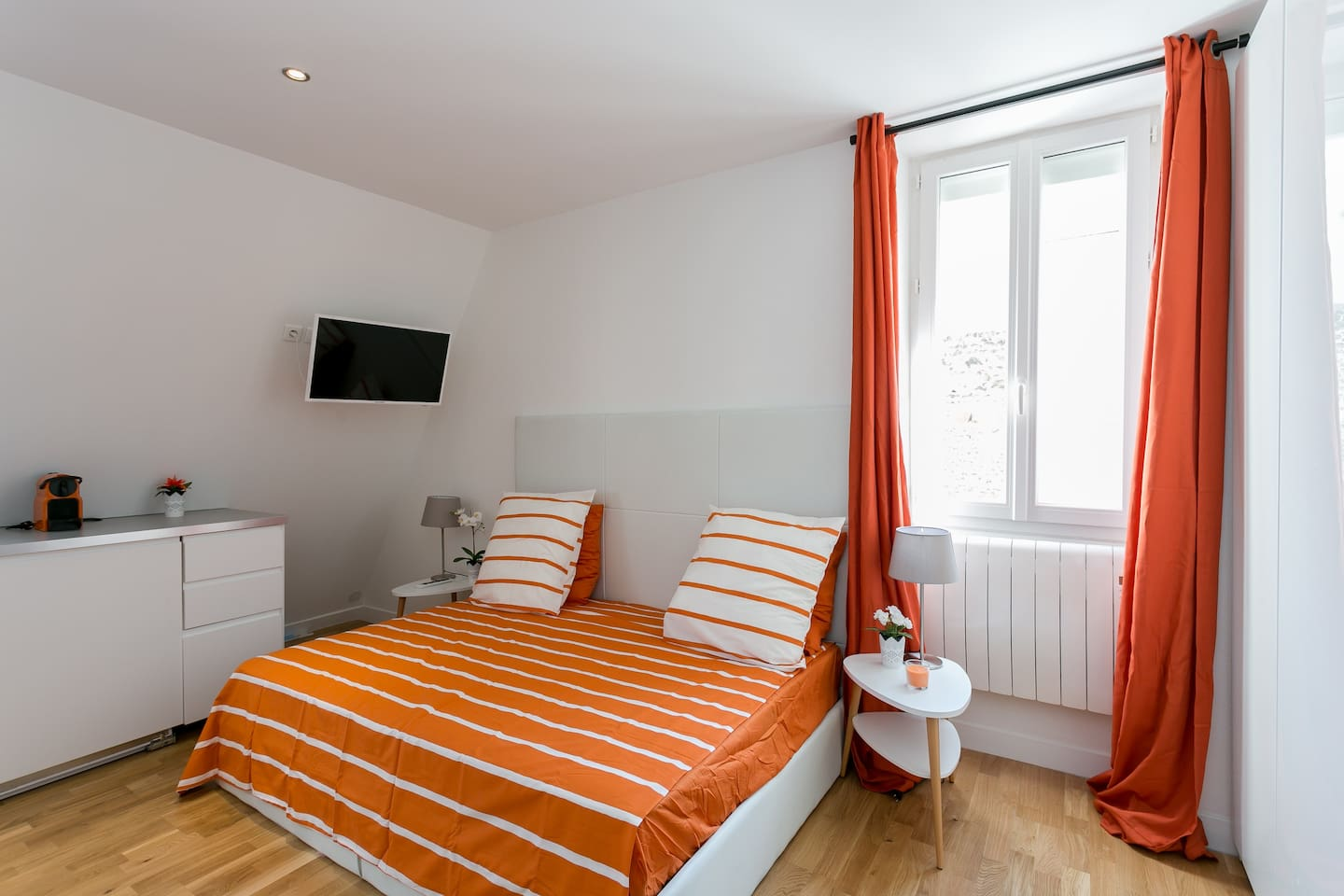 Luxurious renovated studio at Montparnasse - Apartments for Rent in ...