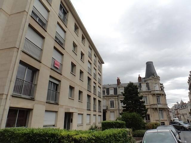 Appartement vaste et lumineux, proche cathédrale.