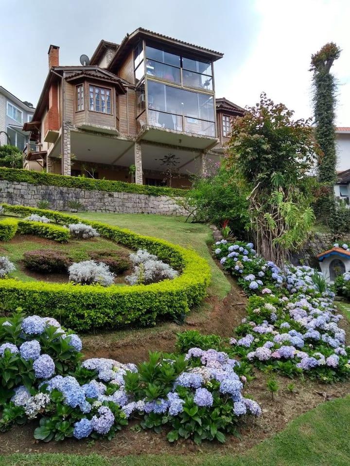 Magnífica Casa em Teresópolis - Clube completo