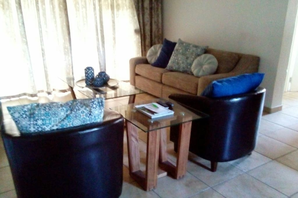 Cosy 2bd With Kitchen Dstv Internet Apartments For Rent