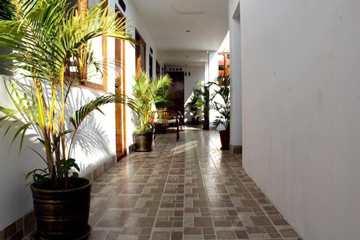 Hab. Triple - Palmeras House - Paracas
