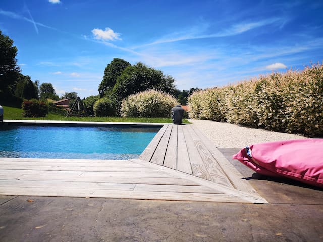 Festival, rando, golf, détente dans le Cantal !