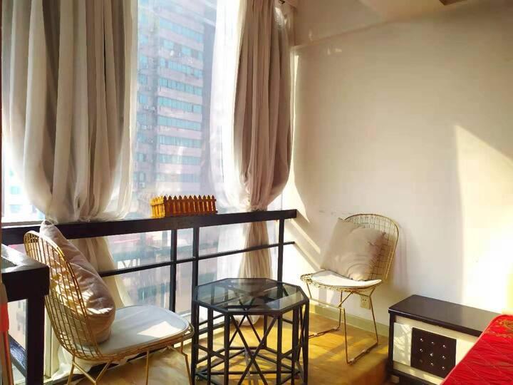 五一广场地铁上盖温暖阳光公寓 可长短租