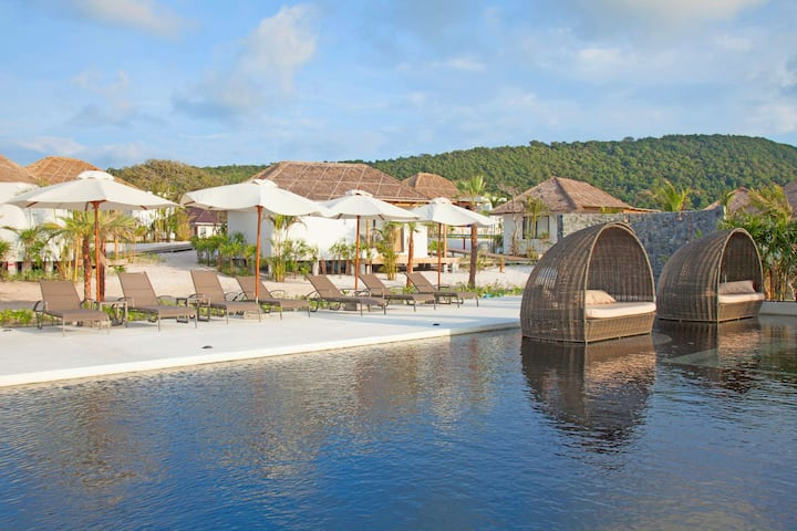 Lovely Beachfront Villa on Koh Rong!