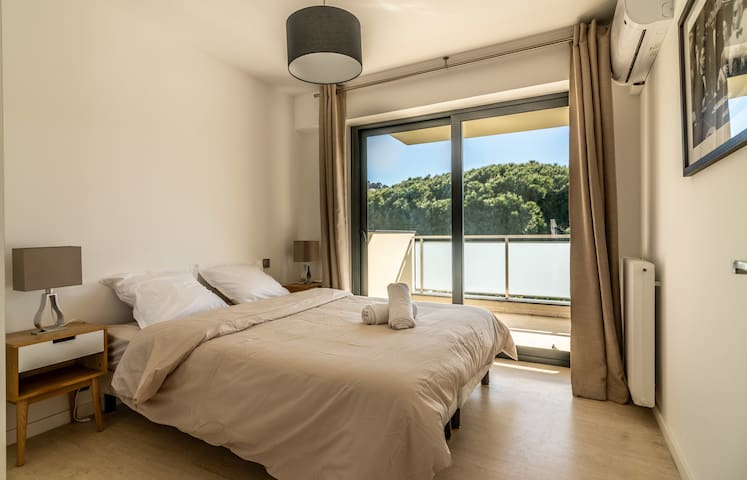 Cannes Apartment next to La Croisette and Beach by easyBNB