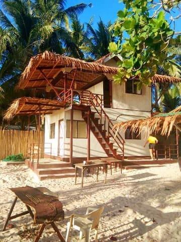 El nido's Baybayon beach front lodge.